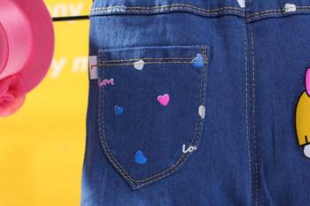 Детски дънки за момичета с дантела и цветен принт
