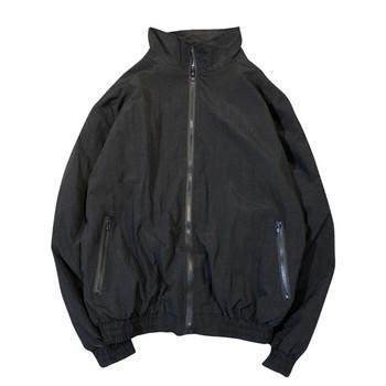 Мъжко тънко пролетно яке с джобове и надпис в три цвята