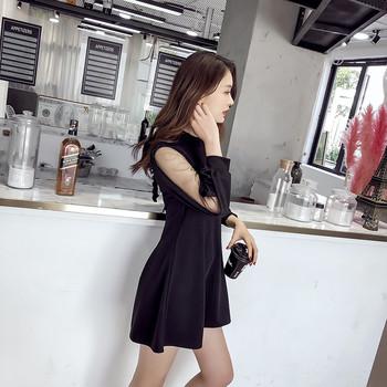 380494c99777 Μοντέρνο γυναικείο φόρεμα με διαφανή, φαρδιά μανίκια σε μαύρο χρώμα ...
