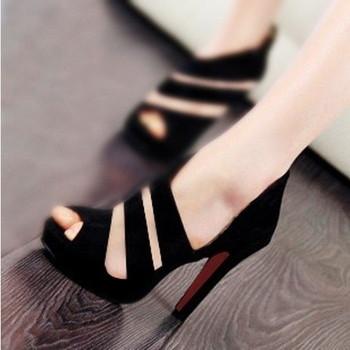 Стилни дамски сандали на висок ток в черен цвят