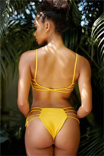 Дамски бански костюм с тънки ленти в черен и жълт цвят