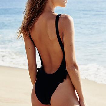Дамски бански костюм в черен цвят с гол гръб