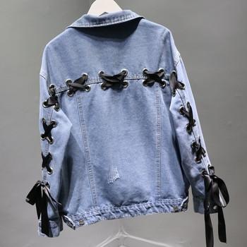 Μοντέρνο γυναικείο μπουφάν με σταυροί δεσμούς και κορδέλες