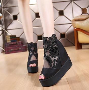 Дамски дантелени сандали на висока платформа в два модела