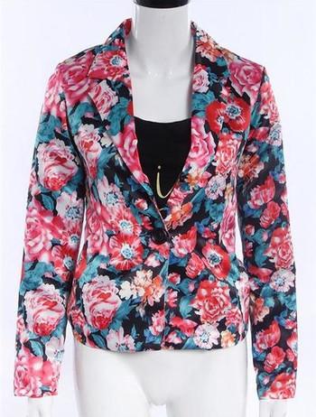 Дамско лятно яке във флорaлни мотиви