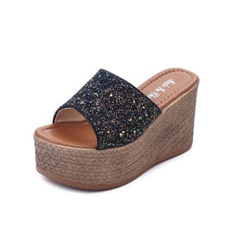 Стилни дамски чехли на платформа лъскави в три цвята