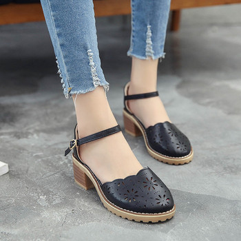 Ежедневни дамски затворени сандали с дупки в бял, кремав и черен цвят