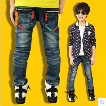 Дестки модерни дънки в няколко модела за момчета с щампа, надпис и метални елементи