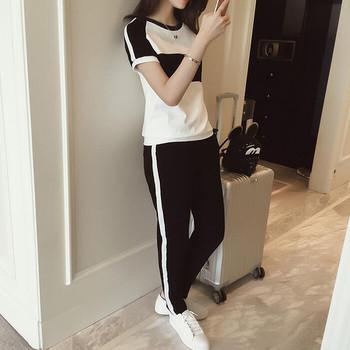 Дамски комплект от две части тениска с къс ръкав и дълъг панталон