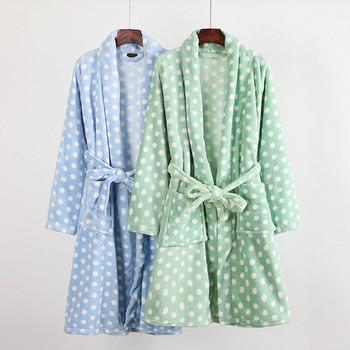 Топъл дамски халат в два цвята с декорация точки