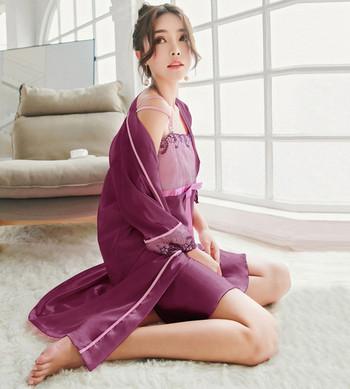 Дамски  коплект - нощница и халат от коприна с бродерия