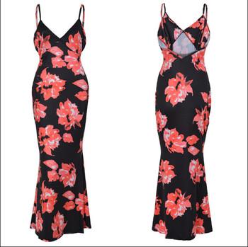 Лятна дамска елегантна рокля в черен цвят с флорален десен