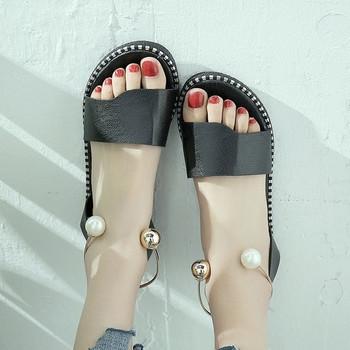 Дамски сандали от еко кожа с метална каишка около глезена