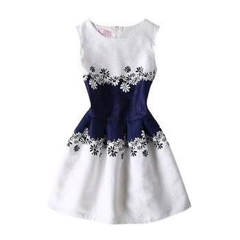 Елегантна дамска рокля разкроена в различни модели