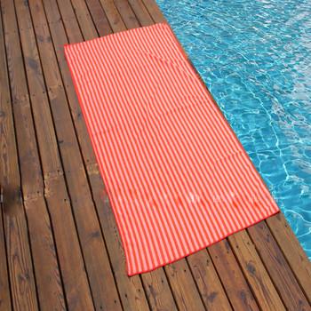 Плажни кърпи на райе в няколко цвята