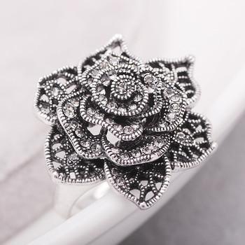 Дамски класически пръстен Роза