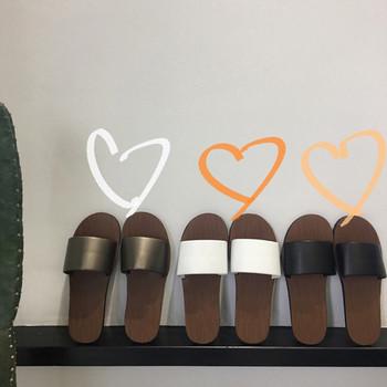 Ежедневни дамски чехли в три цвята