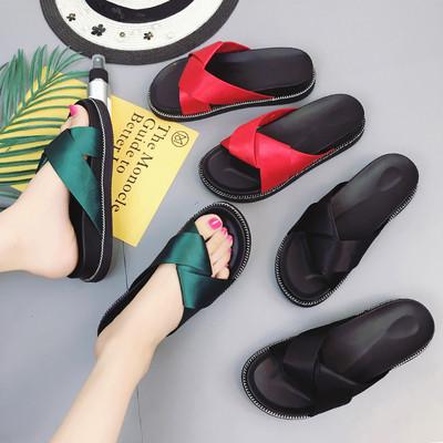 Ежедневни дамски чехли в червен, зелен и черен цвят