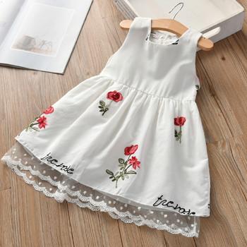 Παιδικό φόρεμα για κορίτσια με κεντήματα και δαντέλα σε λευκό χρώμα ... 231e8f6d811