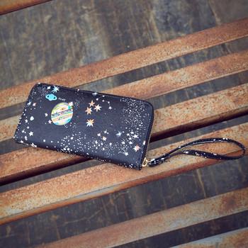 Γυναικείο πορτοφόλι με μαύρη εκτύπωση