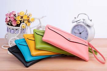 Дамски портфейл в няколко цвята с външен джоб