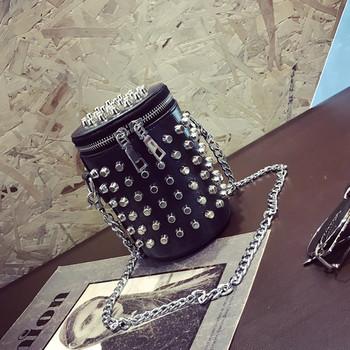 Мини дамска чанта в два цвята с метални капси
