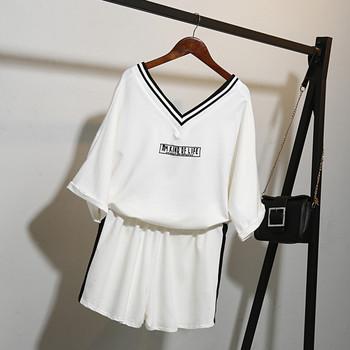 Летен дамски комплект - къси панталони и тениска, в бял и черен цвят