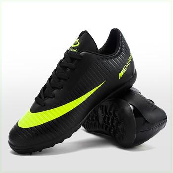 Футболни мъжки обувки в три цвята