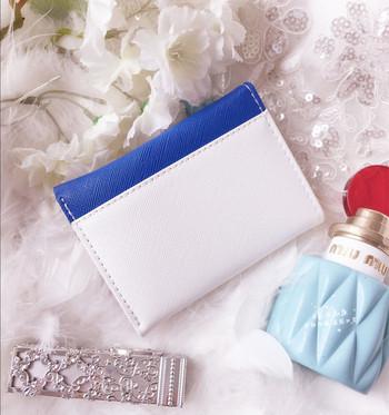 Γυναικείο πορτοφόλι με κορδέλα σε διαφορετικά χρώματα
