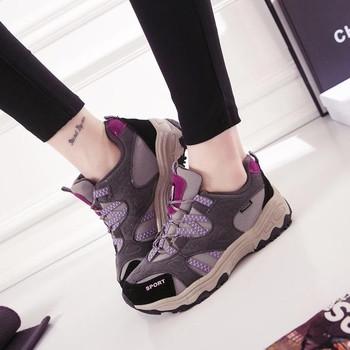 Леки дамски туристически обувки в три цвята