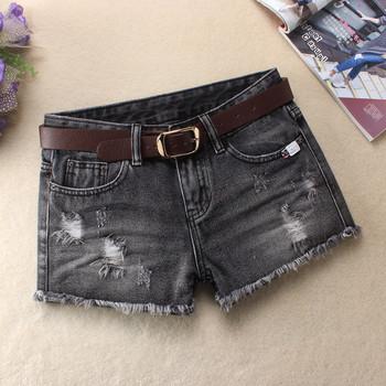 Дамски къси дънкови панталони с колан в няколко цвята