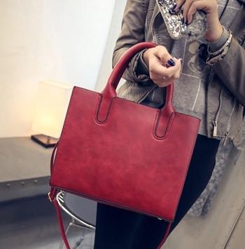 Дамска стилна чанта в няколко цвята