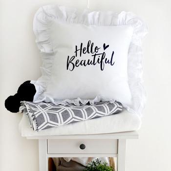 Калъфка за възглавница в бял цвят с надпис
