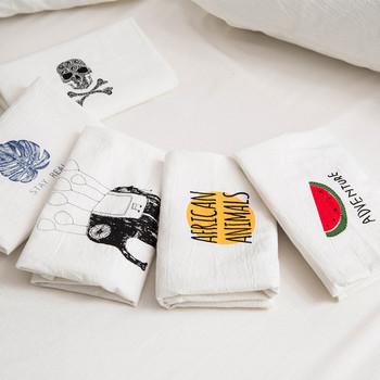 Калъфка за декоративни възглавници в бял цвят с надпис и щампа