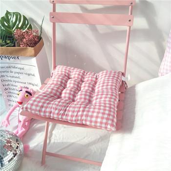 Възглавница за стол с връзки в три цвята