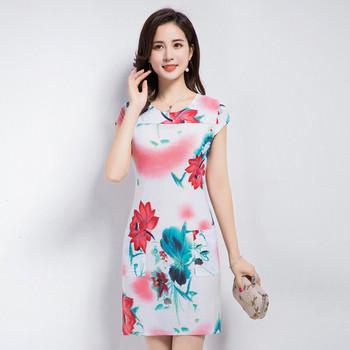 Стилна дамска рокля къс модел с цветни мотиви в няколко цвята