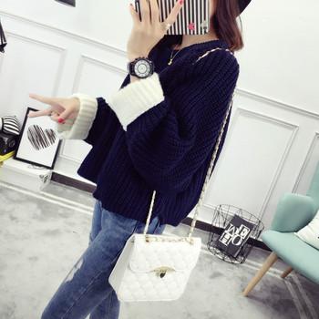 Дамски плътен пуловер с О-образна яка в няколко цвята