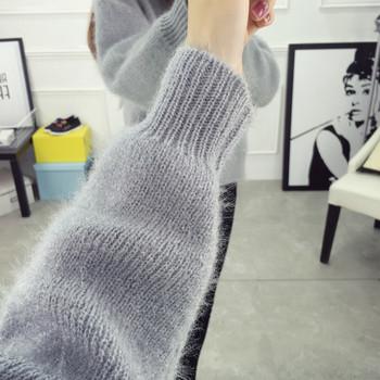 Дамски изчистен пуловер с О-образно деколте