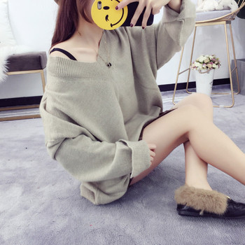 Дамски широк пуловер с V-образно деколте в няколко цвята