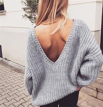 Дамски пуловер с отворен гръб в няколко цвята